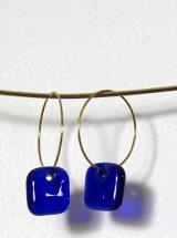 MÉLA Petites boucles d'oreilles bleu royal verre fusion Montréal bijoux colorés