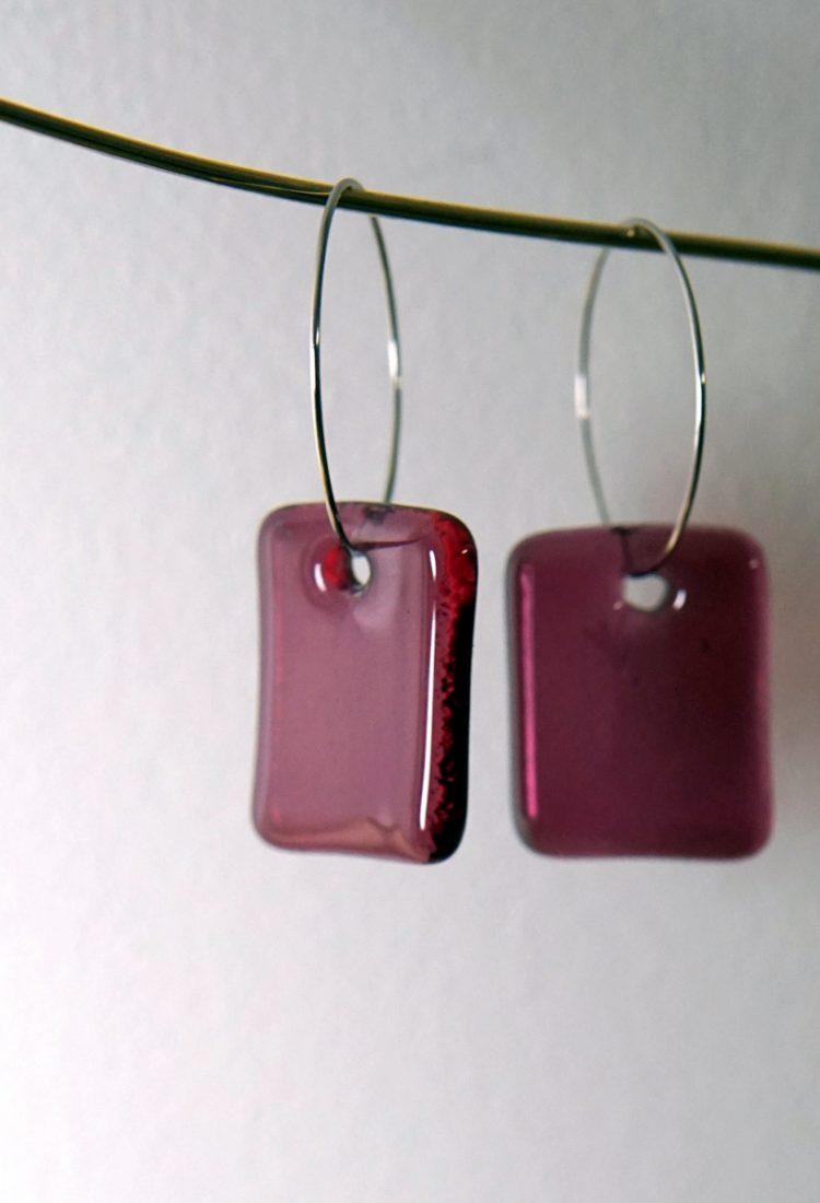 MÉLA Boucles d'oreille Verre Rose Framboise sur anneaux légers bijoux simples