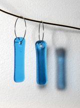 Boucles d'oreilles de verre fait main Longues gouttes turquoises bijoux design Québec Métiers d'Art Montréal