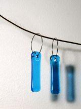 Boucles d'oreilles de verre fait main Longues gouttes turquoises bijoux contemporains mode design Montréal